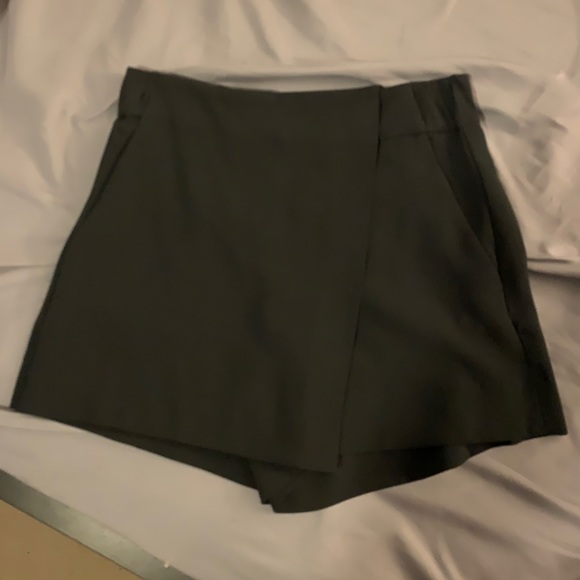 Hikaru shorts